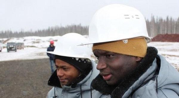 Студенты работают на рудниках во время каникул